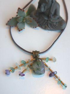 Le chouchou de ma boutique https://www.etsy.com/fr/listing/483027174/collier-pendentif-cristal-dagate-mousse