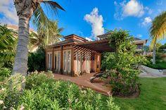 Direct gelegen aan Long Bay; Villa Nevaeh biedt het toppunt van verfijnd comfort en privacy voor de gasten die Anguilla kiezen voor de ultieme vakantie