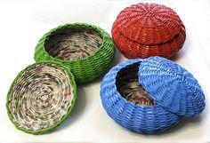 newspaper baskets in paint_koszyki z gazet pomalowane farbą   Flickr - Photo Sharing!