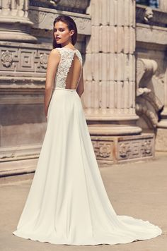 fb69c610a731 16 Best Keyhole Back Wedding Dresses images | Alon livne wedding ...