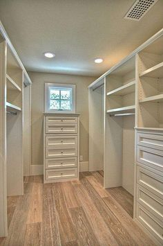 Walk in closet make wide enough to put antique vanity at far end