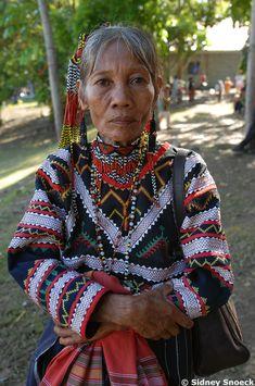 Lake Sebu - T'bolis Miss Philippines, Philippines Culture, Timor Oriental, Black History Books, Filipino Culture, Filipino Tattoos, Filipiniana, Ethnic Patterns, Precious Children