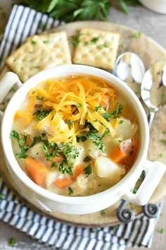 Hypoallergenic Pet Dog Food Items Diet Program Cheesy Chicken Potato Soup, Or Chowder, Is Hearty And Can Be Made On The Stovetop, Or In The Pressure Cooker # Best Soup Recipes, Chowder Recipes, Healthy Soup Recipes, Chicken Recipes, Dinner Recipes, Chicken Potato Soup, Cheesy Chicken, Barbacoa, Pesto
