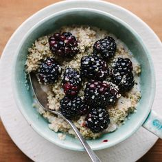 Steel-Cut Oats with Blackberries and Hemp Seeds Recipe