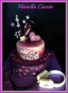 violetta cake - Cake by Mariella Cascio