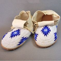 Beaded Moccasins, Man's - Blue & White - by Ina Espinoza (Oglala Lakota)