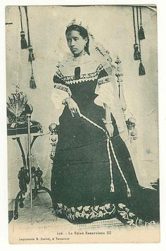 another view of Queen Ranavalona III of Madagascar [b. 1861; reigned 1883-1897, photo c. 1906, died 1917]    Date:      ca. 1906