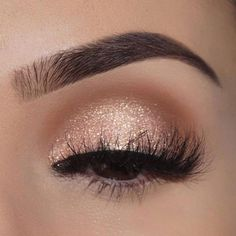 Wunderschöner Goldaugen-Make-up-Look mit peitschenden Wimpern Beste Braut Make-up Looks Beautiful Gold Eye Makeup Look with Whipping Eyelashes Best Bridal Makeup Looks – up Gold Eye Makeup, Smokey Eye Makeup, Skin Makeup, Prom Eye Makeup, Makeup Brushes, Homecoming Makeup, Pagent Makeup, Wedding Eye Makeup, Sparkly Makeup
