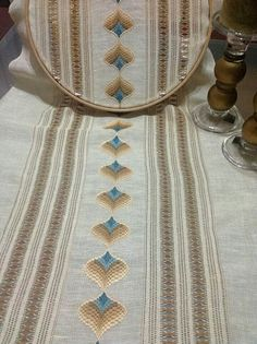 1 million+ Stunning Free Images to Use Anywhere Broderie Bargello, Bargello Needlepoint, Hand Embroidery, Embroidery Designs, Cross Stitch Cushion, Palestinian Embroidery, Swedish Weaving, Free To Use Images, Labor