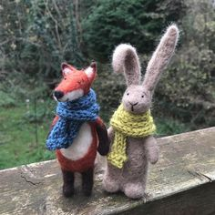 Who says foxes and bunnies can't be friends?! 🦊🐰❤️ . . . #needlefelting #needlefelt #woolsculpture #needlefelted #wool #choosewool #felting #feltersofinstagram #textileart #fibreart #rabbit #fox #cute #bunny #christmasgift #keepsake #giftideas #countryliving #woodland #forest #countrylife #decordesign #figurine #miniatures #etsy #handmade