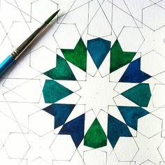 """A little more progress... #islamicart #islamicgeometry #geometry #islamicdesign #islamicpattern #art #geometric #geometricpattern#geometricdesign #islam…"""