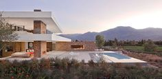 XTEN Architecture created this contemporary residence located in La Quinta, California, USA.