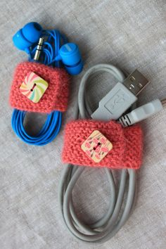 Knitting Pattern for Cord Organizer - This nifty little knitting pattern turns the chaotic tangle of your headphones and other household cords into perfectly organized bundles of cuteness! 2 sizes. Uses only 30 – 35 yards (27 – 32 m) so it's great for scrap yarn. Great quick gift. Designed by Valya Boutenko