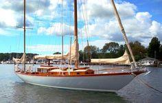Rhodes 27, 1939 - Breezee is a Rhodes 41! Beautiful yacht!