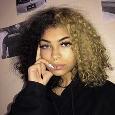 Lace Frontal Wigs Natural Curly Hair Updos Short Hairstyles For Curly Hair 2019 Best Women Curly Wigs Blonde Curly Wigs For African American Blonde Curly Wig, Dyed Curly Hair, Dyed Natural Hair, Dye My Hair, Curly Hair Styles, Natural Hair Styles, Half Dyed Hair, Curly Wigs, Curly Hair White Girl