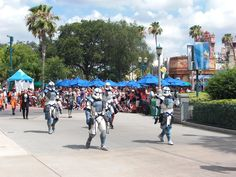 Captain Clone Troopers at SWW 2015's 501st Legion Parade