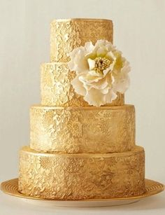 Wedding Cake. Gold cake with a lot of gorgeous details. Yes, please.  http://julianneyoungweddings.com/2012/02/