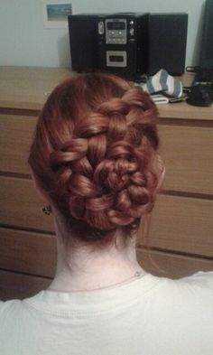 Hairstyle,flower party