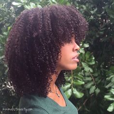 One of the best things about low porosity hair is that minimal hair care works better. Once you understand this, you've already got the hard stuff covered. The best way to keep low porosity… Pelo Natural, Natural Hair Tips, Natural Hair Journey, Natural Hair Styles, Henna Natural Hair, Low Porosity Hair Products, Hair Porosity, Style Afro, Pelo Afro