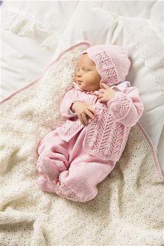 Tema 24: Modell 4&5 Jakke, sokker, lue, bukse og teppe #strikk #baby