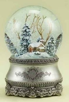 "5.5"" Musical Vintage-Style Winter Cottage Christmas Glitterdome: Amazon.ca: Home & Kitchen"