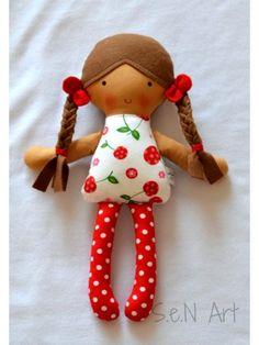 Látková bábika - hnedé filcové vlásky