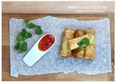 Babotie Spring Rolls, I used hot tomato chutney, jar garlic,ginger & coriander. I used home made chilli flakes. Christmas Starters, African Christmas, Spring Roll Wrappers, Tomato Chutney, South African Recipes, Sweet Chili, Beef Recipes, Vegetarian Recipes, Kitchens
