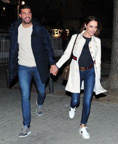 Paula Echevarría y Miguel Torres se reencuentran en Madrid City Outfits, Gucci Outfits, Jean Outfits, Casual Outfits, Fashion Outfits, Couple Style, My Style, Alicia Vikander Style, Matching Couple Outfits