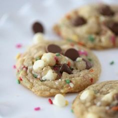 Chocolate chip and sprinkle birthday cookies! I Heart Nap Time   I Heart Nap Time - Easy recipes, DIY crafts, Homemaking