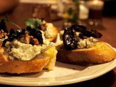 Gorgonzola, dried plums, nuts and olive oil bruschetti by Bistro de l'Arte