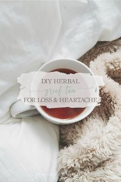 Do you know someone who is grieving? Here& a recipe for a DIY herbal grief tea to support you or a loved one through loss and heartache. Cold Home Remedies, Natural Health Remedies, Herbal Remedies, Tea Recipes, Real Food Recipes, Natural Detox Water, Tea For Colds, Herbs For Health, Party Decoration