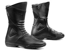 Motorcycle Gear  Discover the New Rain Touring Motorcycle Boots Forma  Majestic 5c6e0023b0