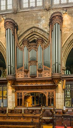File:Wakefield Cathedral Choir Organ, West Yorkshire, UK - Diliff.jpg
