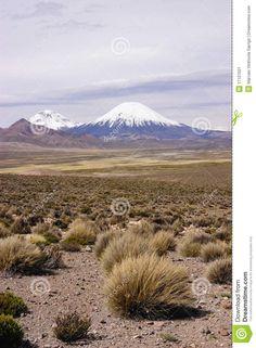 Pomarepe and Parinacota volcanoes over 6,000 meters