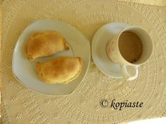 Kolokotes and Greek Coffee Cypriot Food, Greek Beauty, Pumpkin Pies, Cinnamon Almonds, Phyllo Dough, Baking Tins, Small Plates, Greek Recipes, Cyprus