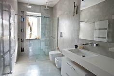Bagno - pavimento e pareti in resina