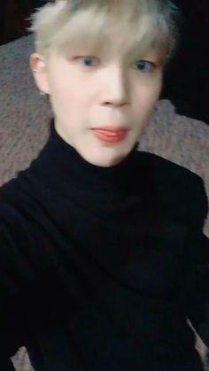 Jimin Selca, Bts Taehyung, Namjoon, Twitter Video, Bts Video, Bts Black And White, Park Jimin Cute, Yoonmin, Bts Pictures