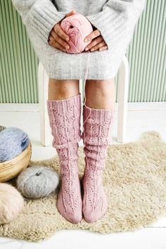Knitting Humor, Knitting Socks, Crochet Socks, Crochet Yarn, Men In Heels, Lace Knitting Patterns, Yarn Inspiration, Thigh High Socks, Wool Socks