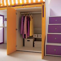 """#Arredamento #Cameretta Moretti Compact: Collezione 2012 """"Team"""" > Kids – Soluzione a #Soppalco >> ks23 #armadio #scala con #cassetti http://www.moretticompact.it/kids.htm"""