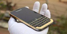 UNIVERSO NOKIA: Karalux ricopre Blackberry Classic in oro 24K