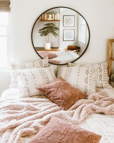 Urban Outfitters Home on Ready. Take up to 40 off home decor online only! Urban Outfitters Home, Urban Outfitters Bedding, Uo Home, Home Bedroom, Bedroom Mirrors, Bedroom Ideas, Master Bedrooms, Modern Bedroom, Bedroom Designs