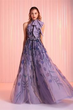 Find tips and tricks, amazing ideas for Tony ward. Discover and try out new things about Tony ward site Tony Ward Wedding Dresses, Tony Ward Bridal, Zuhair Murad, Beautiful Gowns, Beautiful Outfits, High Fashion Outfits, Emo Outfits, Punk Fashion, Lolita Fashion