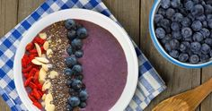 Acai Berry Smoothie Bowl - super charge your morning with this yummy super food slam, loaded with antioxidants & healthy fats it tastes as good as it looks. Healthy Brain, Brain Food, Healthy Nutrition, Healthy Mind, Healthy Herbs, Healthy Fats, Healthy Eating, Ice Cream For Breakfast, Diet Breakfast