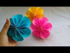 You can take advantage of our beauty ideas. Paper Folding Crafts, Paper Flowers Craft, Crepe Paper Flowers, Origami Flowers, Flower Crafts, Diy Flowers, Felt Flowers, Paper Crafts, Diy Crafts