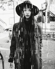 YUKA MANNAMİ 夜っぽい真昼間 前髪が伸びてきた、、 ほんとに伸びるのがはやい。 最近後ろ髪も切ってもらった。 (@yukimaru25 ) でもぐんぐん伸びる。 切ったそばから 「髪伸びたね!」 いっそのことお尻まで伸ばしてやろうか。 My hair grows forever... #vintagestyle #allvintage #高円寺の公園 #杉並区 #住みたい