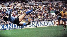 L'ultima parata di Dino Zoff su tiro di Sandberg Goalkeeper, All Over The World, World Cup, Soccer, Italy, Football, Top, Vintage, Sports
