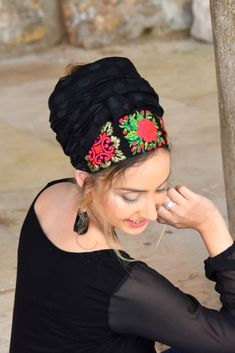 """🍀🌺These Head Coverings - """"Mitpachot"""" were created for covering all your hair, but can also be folded to show only some hair. Our fabrics are comfortable and of superior quality. No Slip Headbands, Wide Headband, Modest Wear, Turban Style, Georgette Fabric, Scarf Hairstyles, Modest Fashion, Head Wraps, Head Coverings"""
