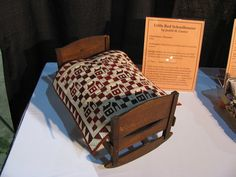 Collector With A Needle: Sleep Tight Doll Quilts and Beds Exhibit ittle Red Schoolhouses Judith H. Miniature Quilts, Miniature Dolls, Miniature Tutorials, Small Quilts, Mini Quilts, Antique Dolls, Vintage Dolls, Vintage Dollhouse, Quilt Bedding