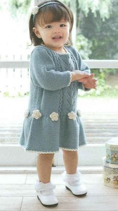 knit baby dress, roses
