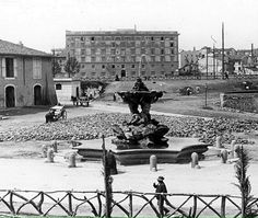 Foto storiche di Roma - Piazza della Bocca della Verità Anno: 1910 Old Photos, Vintage Photos, Best Cities In Europe, Roman Empire, Louvre, History, Travel, Grande, Archive